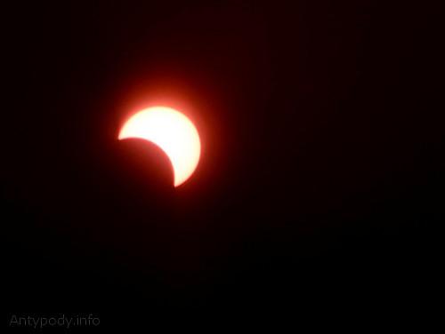 Częściowe zaćmienie Słońca w Melbourne, Australia, 14 listopada 2012 r, godz. 8:04